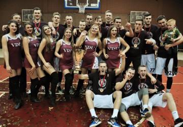 2015-2016 metų sezono LSKL čempionai – VDU krepšininkai