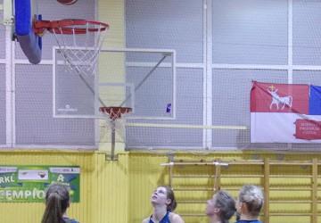 Merginų grupė: vicečempionės nugalėjo KTU studentes